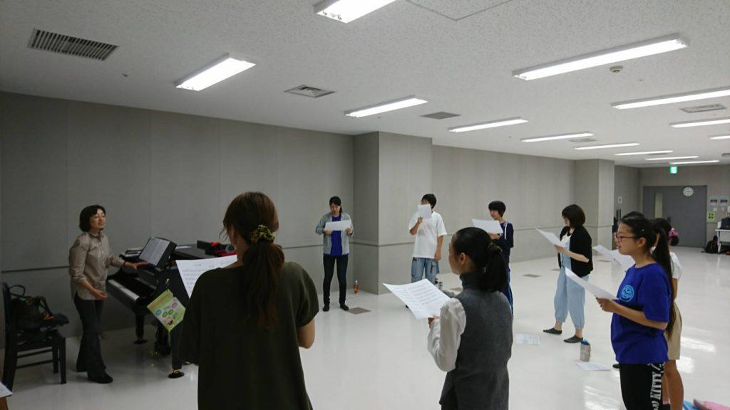 厚木ミュージカルカンパニー 神崎真由美歌唱レッスン風景1